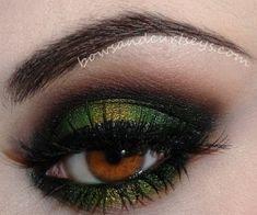 Moss green smokey eyeshadow for brown eyes
