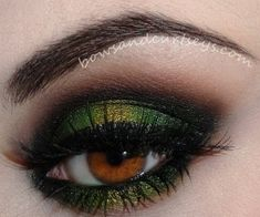 Moss green smokey eyeshadow for brown eyes
