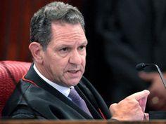 'Eleitor não precisa aguentar o governo', diz ministro do STJ
