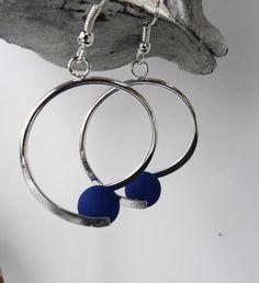 Boucles oreille spirale perle polaris bleu marine / mariage / fête / anniversaire : Boucles d'oreille par perlaperles