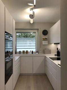 lange küche New Ideas Small Kitchen Remodel Ideas Küche lange Kitchen Room Design, Modern Kitchen Design, Home Decor Kitchen, Interior Design Kitchen, Home Kitchens, Diy Kitchen, Kitchen Ideas, Rustic Kitchen, Kitchen Trends