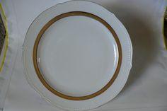 Sehr schöne Speiseteller von Winterling Schwarzenbach Bavaria 4 Weiß- Gold | eBay Plates, Tableware, Ebay, Round Round, House, Ideas, Black, Nice Asses, Licence Plates