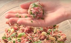 This Baked Meatball Parmesan Recipe comes with a 44 second video tutorial. That& how long you will need to nail this super easy and delicious recipe! Meatball Recipes, Dog Food Recipes, Cooking Recipes, Healthy Recipes, Savoury Recipes, Fun Recipes, Mince Recipes, Cheap Recipes, Supper Recipes
