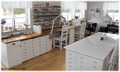 would be great set up for art/ sewing/ craft studio