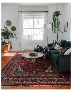 Boho Living Room, Cozy Living Rooms, Living Room Carpet, Living Room Modern, Oriental Living Room Decor, Red Persian Rug Living Room, Cozy Eclectic Living Room, Vintage Modern Living Room, Persian Decor