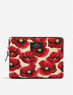 Discover WOUF's Poppy Laptop Sleeve Creative and unique accesories made in Spain. College Necessities, Cute Ipad Cases, Laptop Design, Illustration Blume, Small Makeup Bag, Leather Label, Ipad Sleeve, Laptop Covers, Floral Illustrations