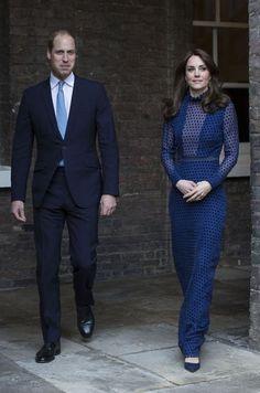 À quatre jours de son voyage en Inde et au Bhoutan, la duchesse de Cambridge, née Kate Middleton, s'est déjà mise à la mode indienne.