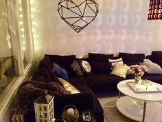 Söderhamn sofa with washi-tape heart on the wall. Söderhamn Sofa, Ikea Sofa, Couch, Washi Tape, Heart, Wall, Furniture, Home Decor, Settee