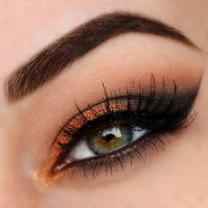Copper smokey winged eyeshadow #eye #eyes #makeup #eyeshadow #dramatic #smokey #glitter