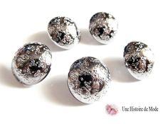 lot : 5 boutons ronds en métal décoré couleur argenté foncé 17 mm : Boutons par une-histoire-de-mode
