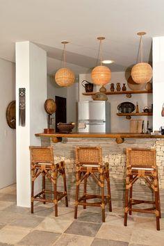 Busca imágenes de Bodegas de estilo rural de Isnara Gurgel - Arquitetura + Interiores. Encuentra las mejores fotos para inspirarte y crea tu hogar perfecto.