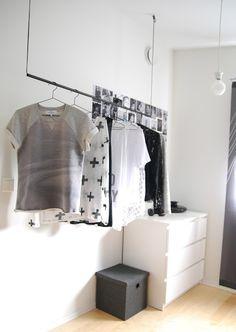Apartment Living: How to Maximize a Small Bedroom by Label Me Merrit Interior Exterior, Interior Design Tips, Interior Walls, Interior Styling, Beige Carpet, Diy Carpet, Hall Carpet, Diy Inspiration, Interior Inspiration