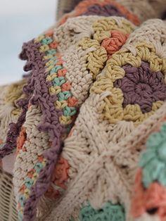 Ravelry: Florear Blanket pattern by Samantha Roberts
