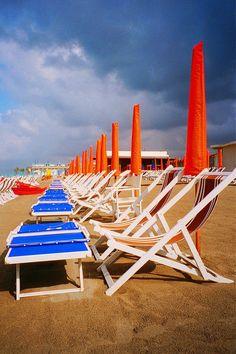 A Path To Lunch: Marina di Massa - A Real Italian Summer Resort Italian Summer, Visit Italy, Beach Scenes, Paths, Europe, Resort, Travel, Lunch, Pasta