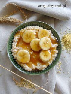 Jaglanka z masłem orzechowym i karmelizowanym bananem | Oryginalny smak