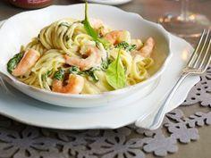 Linguine met scampi in kreeftensaus Diner Recipes, Fish Recipes, Pasta Recipes, Linguine, I Love Food, A Food, Best Tapas, Vegetarian Recipes, Healthy Recipes