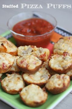 The Perfect Bite Sized Appetizer - Stuffed Pizza Puffs. Easy to make and would be a great snack too! Bite Size Appetizers, Finger Food Appetizers, Yummy Appetizers, Appetizers For Party, Finger Foods, Appetizer Recipes, Snack Recipes, Cooking Recipes, Think Food