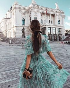 Image shared by ℓυηα мι αηgєℓ ♡. Find images and videos about girl, fashion and beautiful on We Heart It - the app to get lost in what you love. Gabriela Montez, Pretty Dresses, Beautiful Dresses, Top Photos, Poses References, Mode Chic, Street Style, Mode Inspiration, Travel Inspiration