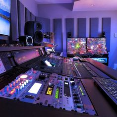 """miloco: """" The latest studio construction project by the Miloco Builds team is now complete! Check out the brand new studio for Anjunabeats act and founders, Above & Beyond …. Recording Studio Setup, Home Studio Setup, Music Studio Room, Audio Studio, Studio Desk, Studio C, Dream Studio, Home Music, Editing Suite"""