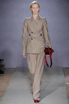 Maison Martin Margiela Fall 2014 RTW - Runway Photos - Fashion Week - Runway, Fashion Shows and Collections - Vogue