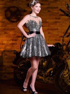 Modelos de vestidos de 15 anos modernos e exclusivos, desenvolvidos pelos nossos estilistas com a dedicação total em agradar as debutantes. - Coleção Sweet & Pepper
