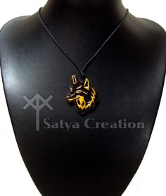 Renard, pendentif fait main en argile. En vente sur www.etsy.com/fr/shop/SatyaCreation/