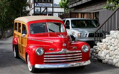 1946 Ford woody - red - fvr