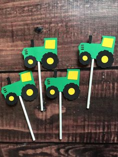12 or 24 John Deere tractor themed cupcake toppers Tractor measures approximately 2 x 2 Tractor is attached to heavy duty 4 stick Please send a