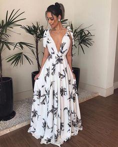 Bohemian V Neck Belted Printed Colour Bare Back Dress – Stylnbo Elegant Dresses, Pretty Dresses, Beautiful Dresses, Casual Dresses, Fashion Dresses, Ladies Dresses, Bare Back Dress, Dress Backs, Deep V Dress