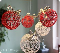 Christmas balls of thread Handmade Christmas Decorations, Easy Christmas Crafts, Xmas Decorations, Christmas Art, Christmas Projects, Simple Christmas, Christmas Ornaments, Christmas Balls, Homemade Christmas