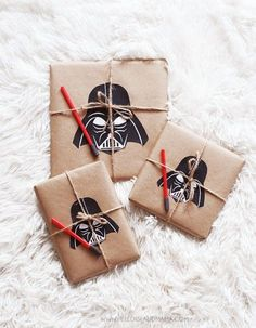 Star Wars Inspired Gift Wrapping Tutorial Free Printables Darth Vader 4 - Printable Star Wars - Ideas of Printable Star Wars - Star Wars Inspired Gift Wrapping Tutorial Free Printables Darth Vader 4 Star Wars Birthday, Star Wars Party, Star Wars Weihnachten, Regalos Star Wars, Cadeau Star Wars, Aniversario Star Wars, Star Wars Crafts, Star Wars Quotes, Festa Party