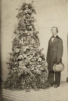 1860-vintage everyday: Rare Vintage Photos of Christmas in Victorian Era