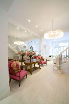 Mirror Wall for Extravagant Interior Look