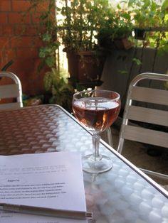 Manche Lese-Paradiese sind gleichzeitig Schreibparadiese wie der #Balkon von #Krimi-Autorin #IngridGlomp. via http://www.pinterest.com/iglomp/meine-schönsten-schreiborte/