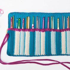 curso online cómo hacer un estuche para agujas de ganchillo Crochet Organizer, Crochet Storage, Crochet Hook Case, Crochet Hooks, Crochet Symbols, Crochet Patterns, Filet Crochet, Knit Crochet, Crochet Handbags