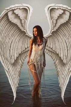 Feel her wings fluttering Dark Angels, Fallen Angels, Angels Among Us, Angels And Demons, Fantasy Kunst, Fantasy Art, Dark Fantasy, Image Zen, Angel Artwork