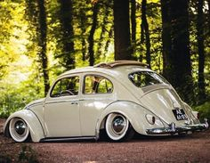 Slammed Vw beetle, XBrosApparel Vintage Motor T-shirts, VW Beetle & Bug… Ferdinand Porsche, Vw Volkswagen, Vw T1, Vw Classic, Classic Car Restoration, Combi Vw, Vw Vintage, Vw Cars, Sweet Cars