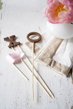 CHIC DIY WEDDING IDEAS ON A BUDGET | XOXO & Flag Cake Topper Set! | by The Inspired Bride |