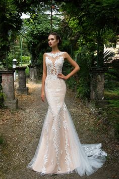 Milla Nova Bridal Wedding Dresses 2017  / http://www.himisspuff.com/milla-nova-bridal-2017-wedding-dresses/32/