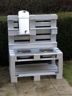 Matsch kitchen - New Ideas Diy Mud Kitchen, Mud Kitchen For Kids, Kitchen Modern, Backyard For Kids, Diy For Kids, Herb Garden In Kitchen, Outdoor Play, Pallet Furniture, Play Houses