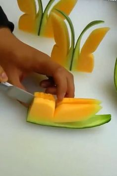 Fun Way To Serve Kids A Watermelon 🍉 - Food Carving Ideas Food Carving, Good Food, Yummy Food, Food Garnishes, Food Decoration, Cafe Food, How To Make Breakfast, Creative Food, Finger Foods