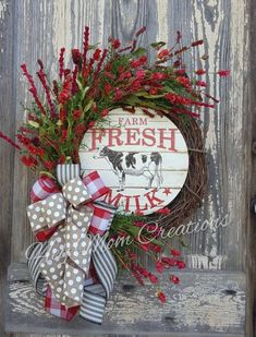 Red Farmhouse wreath, Farmhouse wreath for front door, Farmhouse door decoration, Farm cow wreath, Farm fresh wreath – Decor ideas Wreaths For Front Door, Door Wreaths, Grapevine Wreath, Burlap Wreaths, Front Porch, Red Farmhouse, Country Farmhouse Decor, Kitchen Country, Country Crafts