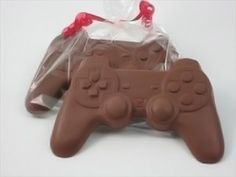 What a fun chocolate gift for a teenage boy (or the teens at heart)! Chocolate Video Game Controllers - Unique Birthday Gifts For Men | BirthdayBullseye.com