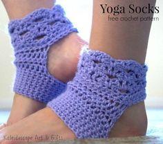 Crochet: Perfect Harmony Yoga Socks -free crochet pattern by Lisa Jelle. Crochet Boot Cuffs, Crochet Boots, Crochet Slippers, Crochet Clothes, Crochet Baby, Free Crochet, Knit Crochet, Diy Crochet Yoga Socks, Crochet Socks Tutorial