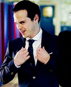 Moriarty gif. I really shouldn't love him as much as I do. <-- We both know that's not quite true.