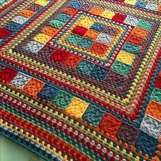 Random Rainbow Blanket by Janette of Handmade In Marbella. General tutorial for constructing, assuming you already know how to make granny squares & rows.Random Rainbow Blanket (no pattern, just Modern Granny Square Crochet Baby Blanket Patter Motifs Afghans, Square Patterns, Afghan Crochet Patterns, Crochet Squares, Crochet Granny, Crochet Stitches, Granny Squares, Knit Crochet, Knitting Patterns