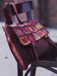 Ravelry: #25 Granny Square Messenger Bag pattern by Doris Chan
