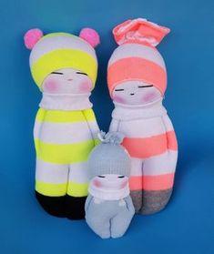 con A de artesanía: Muñecas hechas con calcetines …
