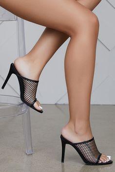 Nylons Heels, Stockings Heels, Strappy Heels, Open Toe High Heels, Hot High Heels, Mules Shoes, Shoes Heels, Manolo Blahnik Heels, Sexy Legs And Heels