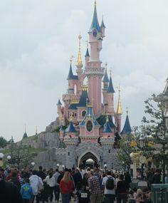 Disneyland (París).